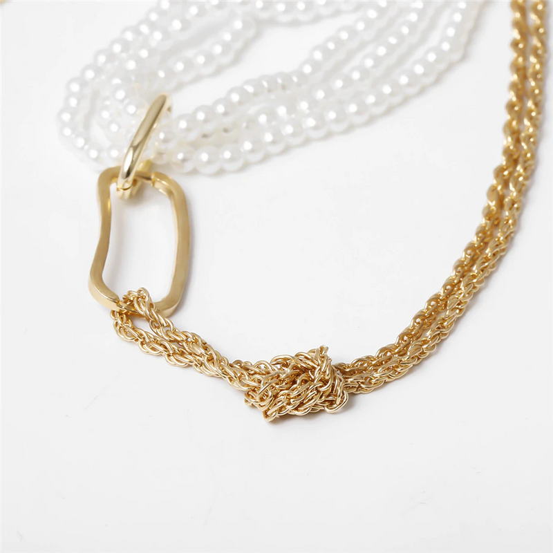 Silphy Pearl Necklace