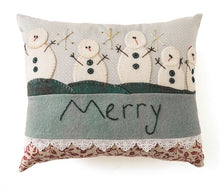 Cozy Wool AppliquŽ: 11 Seasonal Folk Art Projects for Your Home By Elizabeth Angus 2