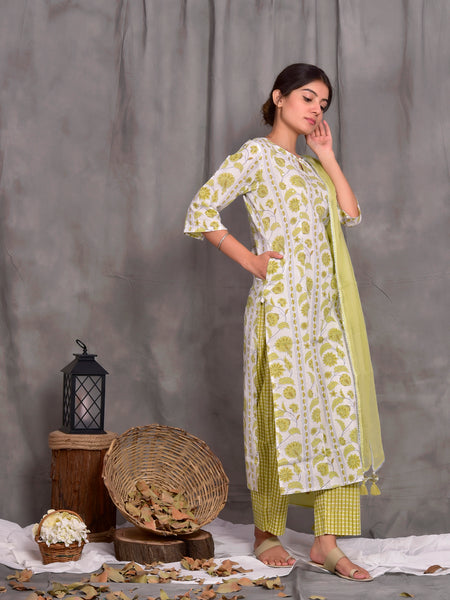 Cotton Green Floral Border Kurta Pants Dupatta Set