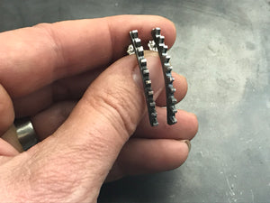 Short Curved Studs