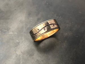 Titanium and Gold Single Vine