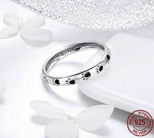 Load image into Gallery viewer, Paws Of Eternity Ring