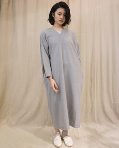 No Control Air,WOOL V-NECK 3/4 SLEEVES DRESS,medium rare online