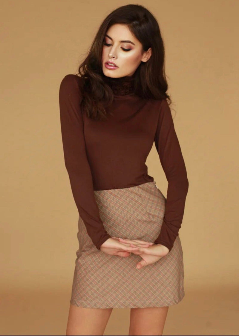 Nancy Chocolate Turtle Neck