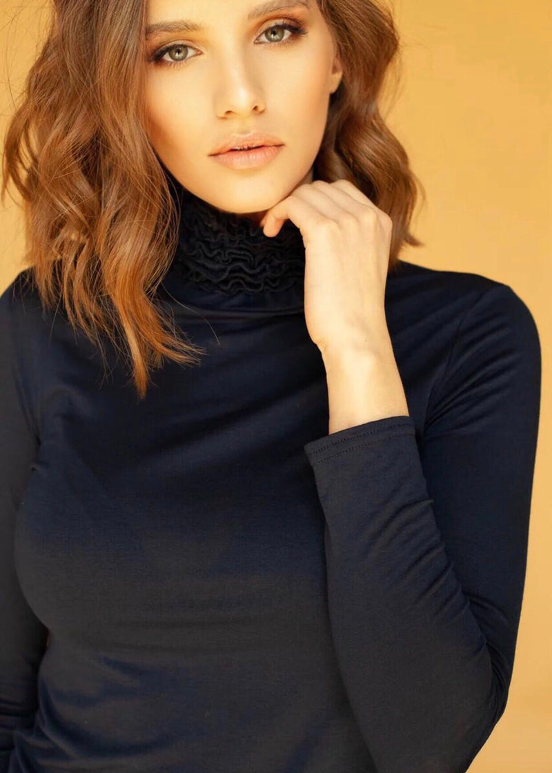 Nancy Turtle Neck in Navy Blue
