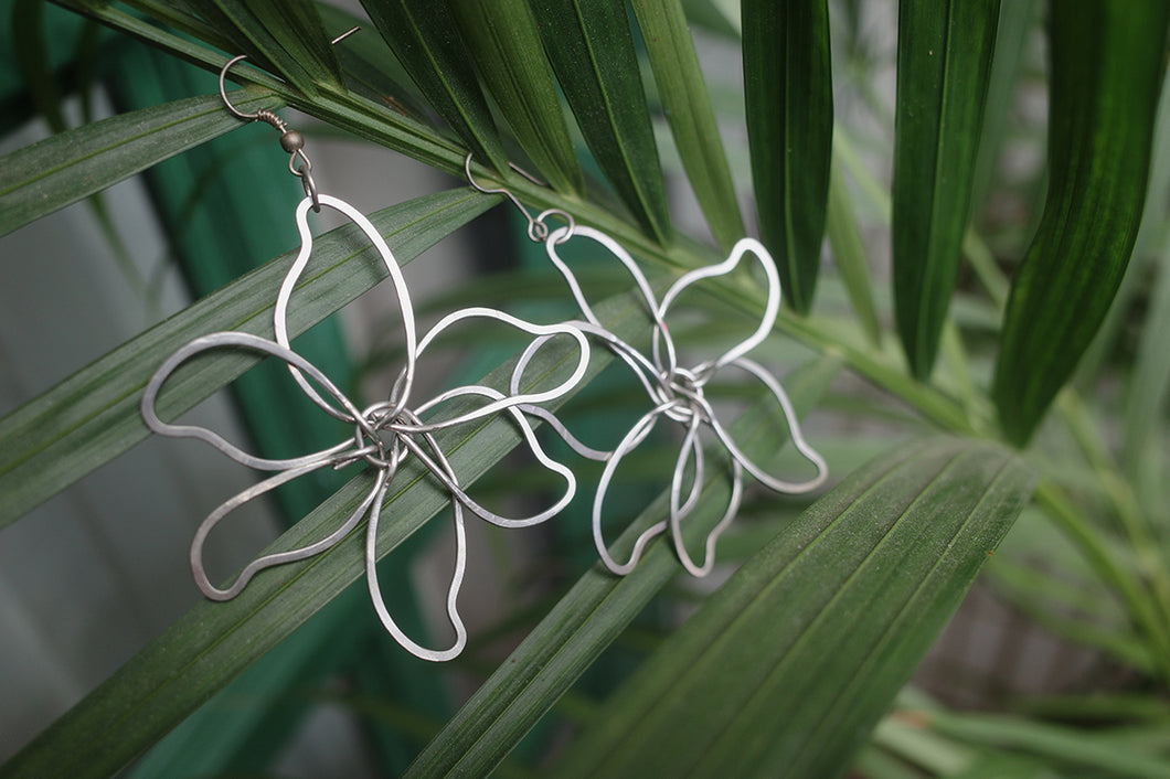 Nickel Wire Flower Earrings | cukimber