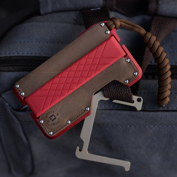 Dango D01 Dapper Special Edition Wallet (Redline) - In Use
