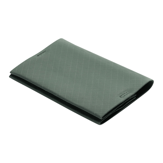 Pioneer Ion 3PN Matte Bifold Wallet (Evergreen) - Angled View