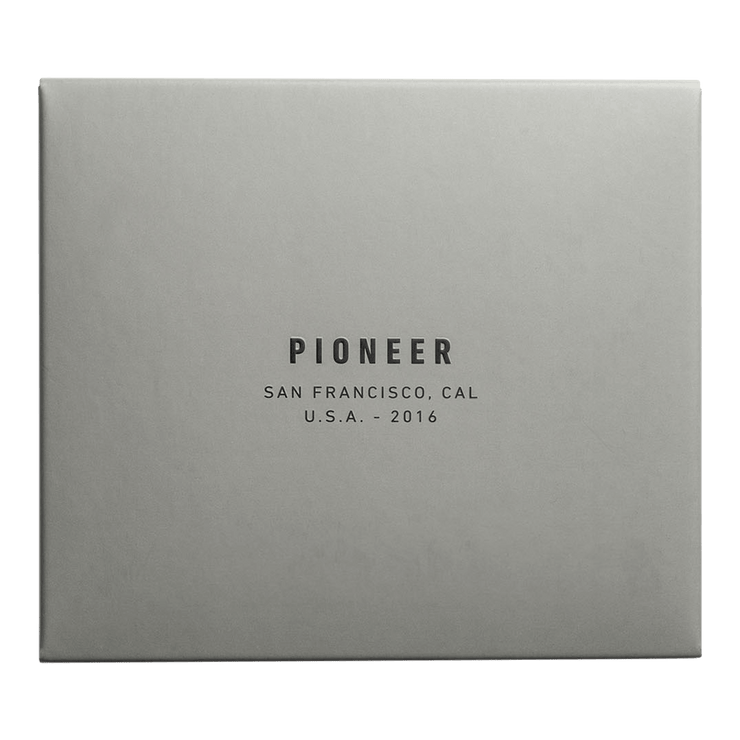 Pioneer Molecule 10XD Ripstop Card Wallet (Black) - Packaging