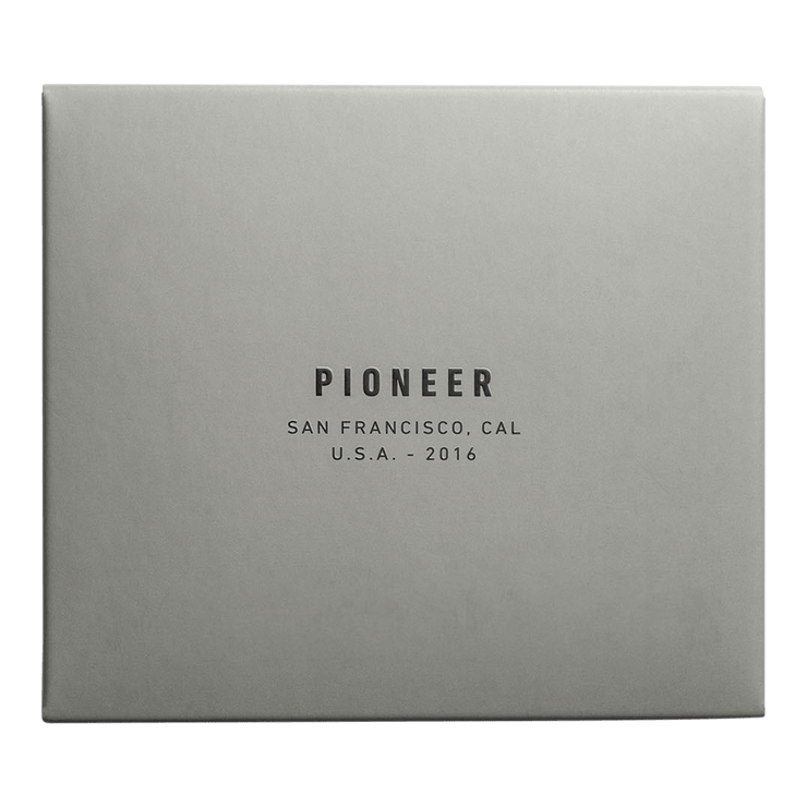Pioneer Molecule 10XD Ripstop Card Wallet (Blue) - Packaging