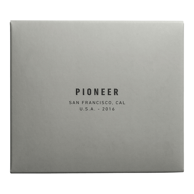 Pioneer Molecule 10XD Ripstop Card Wallet (Onyx) - Packaging