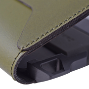 Dango D01 Dapper Bifold Wallet (Moss Green) - Close Up