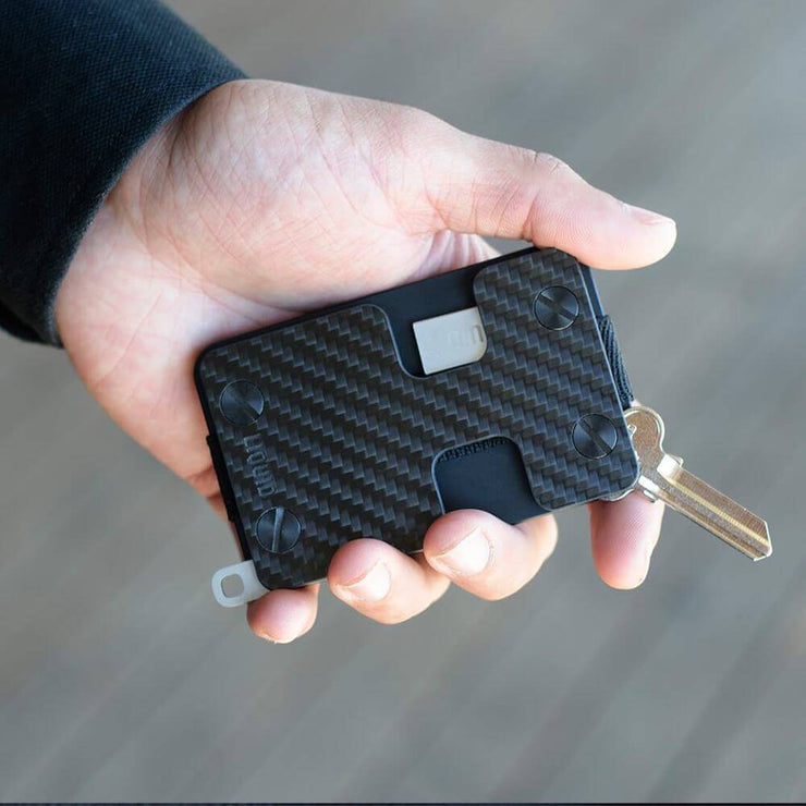 Liquid Carry Carbon Fibre Wallet (Black Screws) - In Use