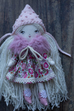 "Load image into Gallery viewer, Pink fur shawl (6.5"", 10"" & 14"" dolls)"