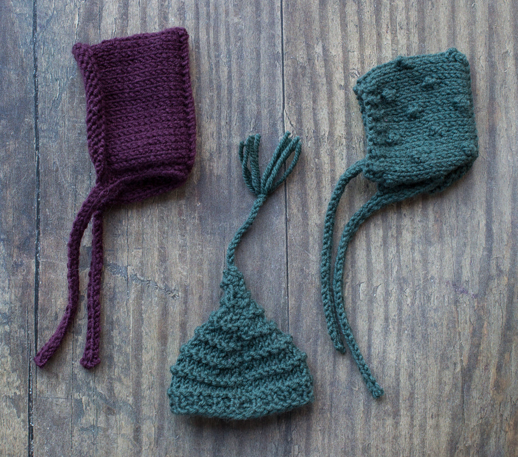 Tiny knitted hats (6.5