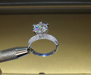 18K Gold 1ct Moissanite VVS Diamond Engagement Ring