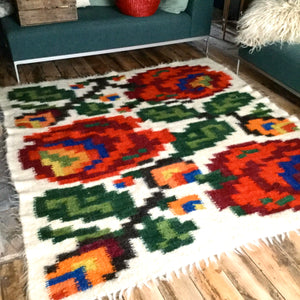 Roses Sheep Wool Handmade Rug Custom Made