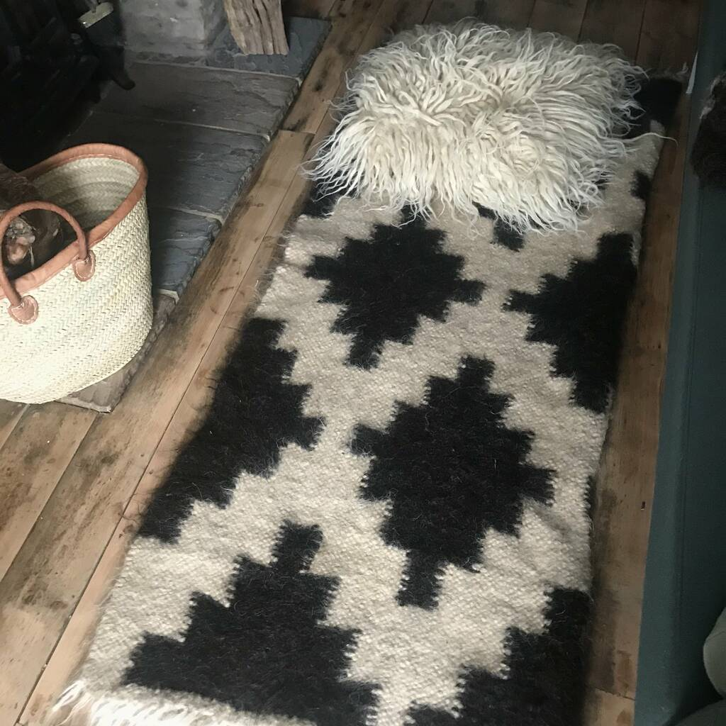 Monochrome wool rug