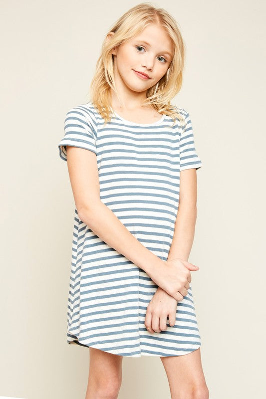 short sleeve dress  |  stripe
