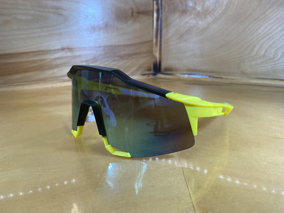 SUNGLASS : BLACK AND YELLOW