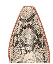 Load image into Gallery viewer, WOMEN'S ARIAT DIXON BLK WHT SNAKE (10034043)
