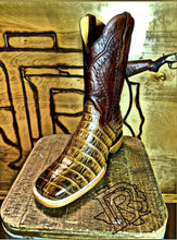 Load image into Gallery viewer, BOTAS ROJERO: CAIMAN TAIL Print Tan MOH279