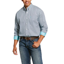 Load image into Gallery viewer, ARIAT MEN'S Wrinkle FREE  Porterville Print Classic Fit Shirt 10030778