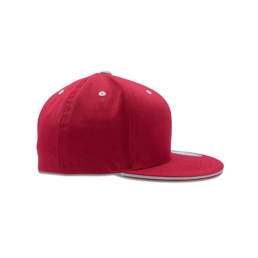 Flexfit Flat Peak - Brick Red & Silver