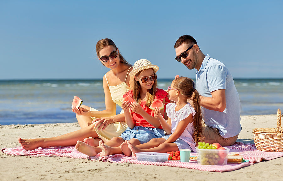 How can you keep kids entertained at the beach?