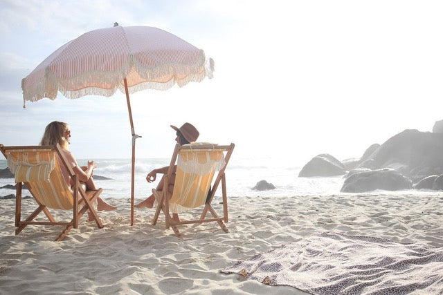 Beach umbrella buying tips: here's what you need to look for