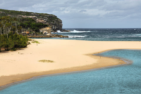 best beaches within one hour of Sydney