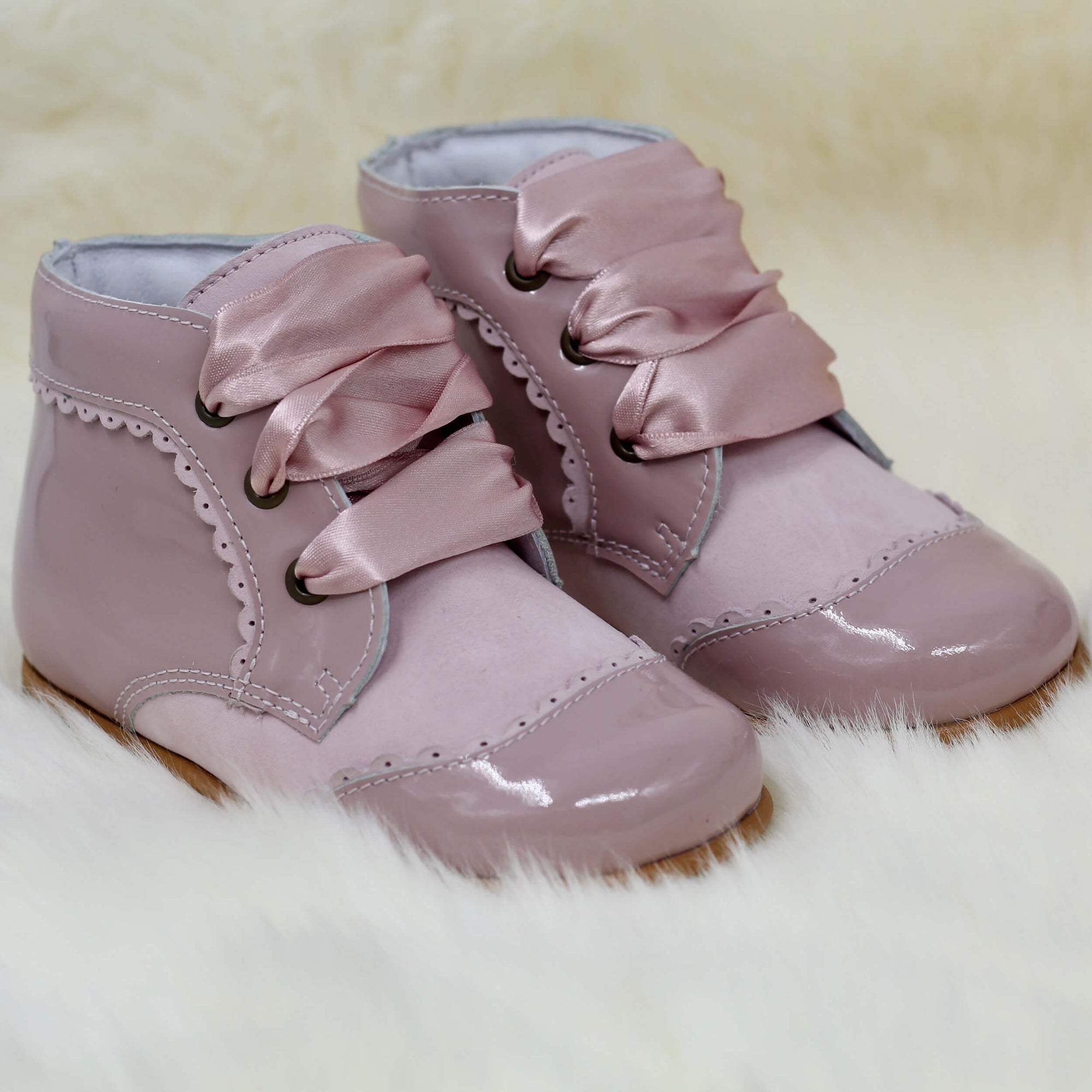 spanish girls boots pink
