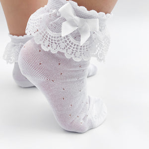 spanish lace ankle socks with openwork details and lace frill