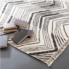 Load image into Gallery viewer, 3x5 Tasha Ivory-Black Woven Wool Rug