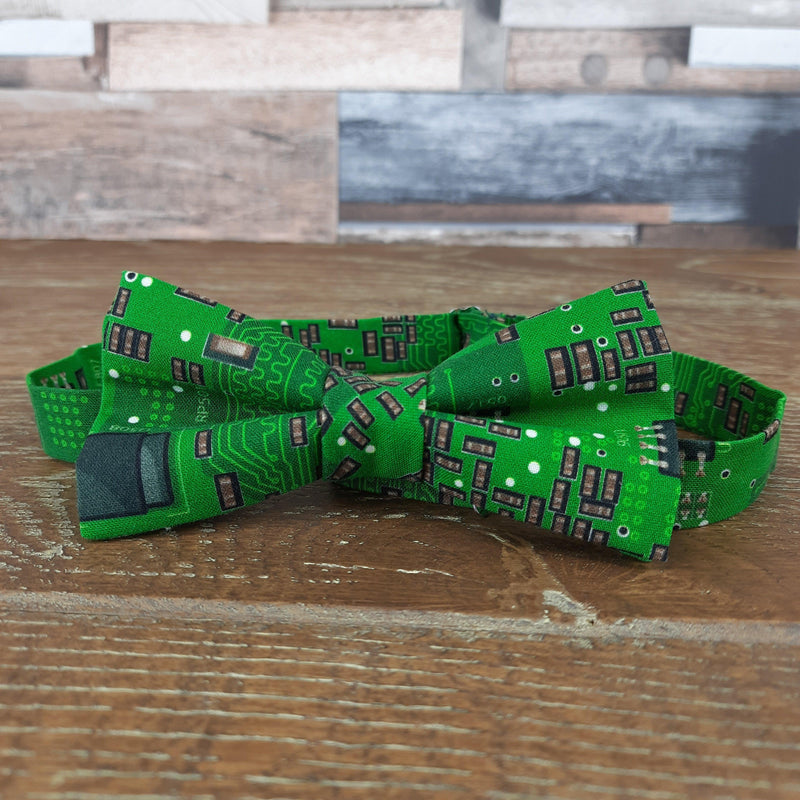 Green Circuit Board Electronics Bow Tie - Bow Ties - - ThreadPepper
