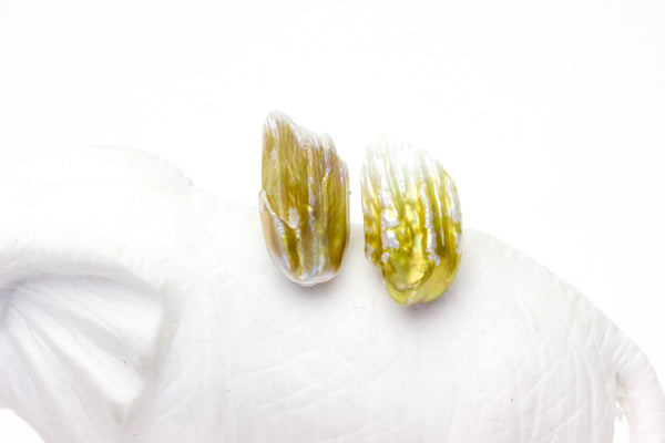 golden feather pearl pair