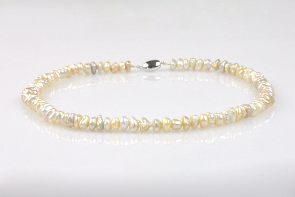 simple necklace of stacked keshi pearls