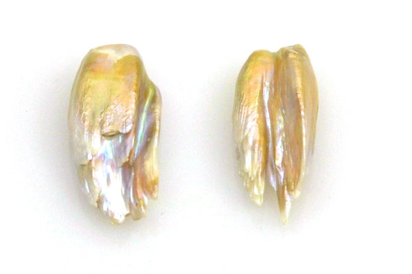 pair feather pearls