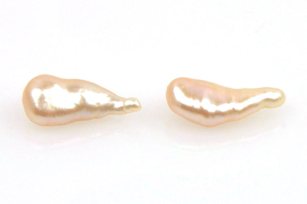 pair peach keshi teardrop pearls