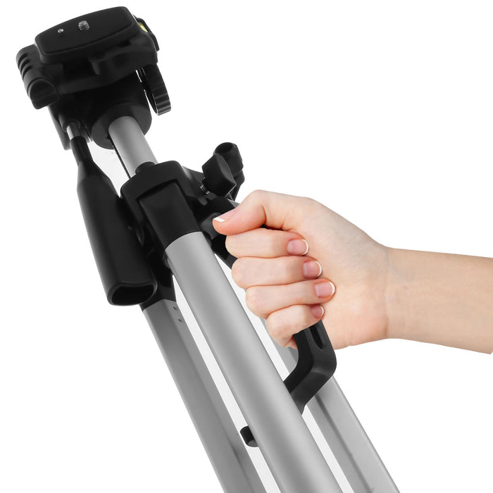 "iGadgitz 140cm (55"") Silver 3 Section Extendable Lightweight Aluminium Portable Tripod Stand for Camera and Camcorder with Carry Case"