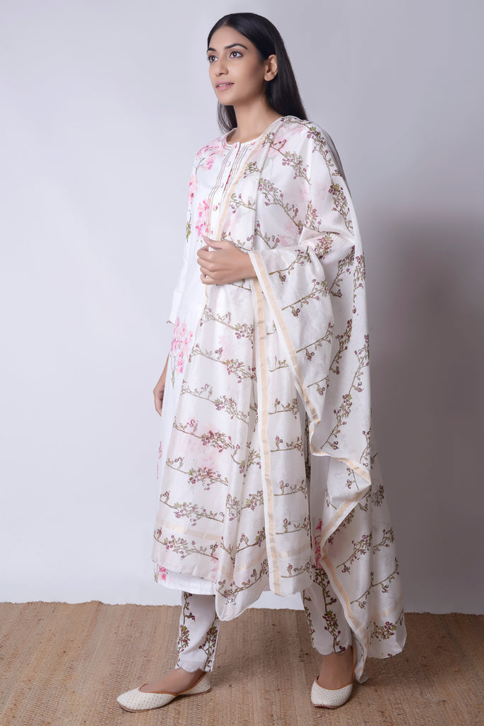 Bouquet U-Hem Kurta Set