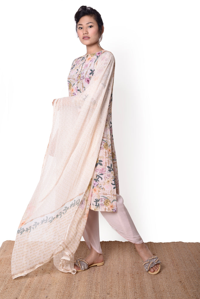 Blush Rehmat Kurta Set