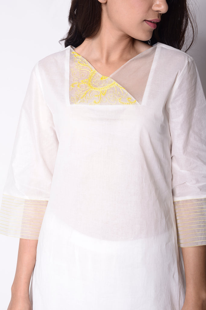 Lemons Embroidered Kurta