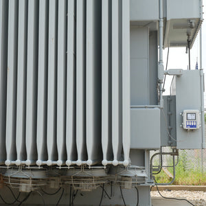 B100 Electronic Temperature Monitor installed on a power Transformer