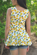 Load image into Gallery viewer, Pineapple Knit Peplum.