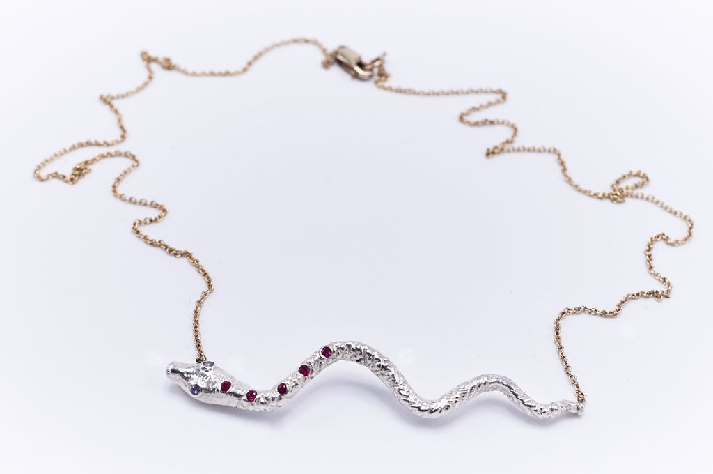 Indigos White Gold Iolite Ruby