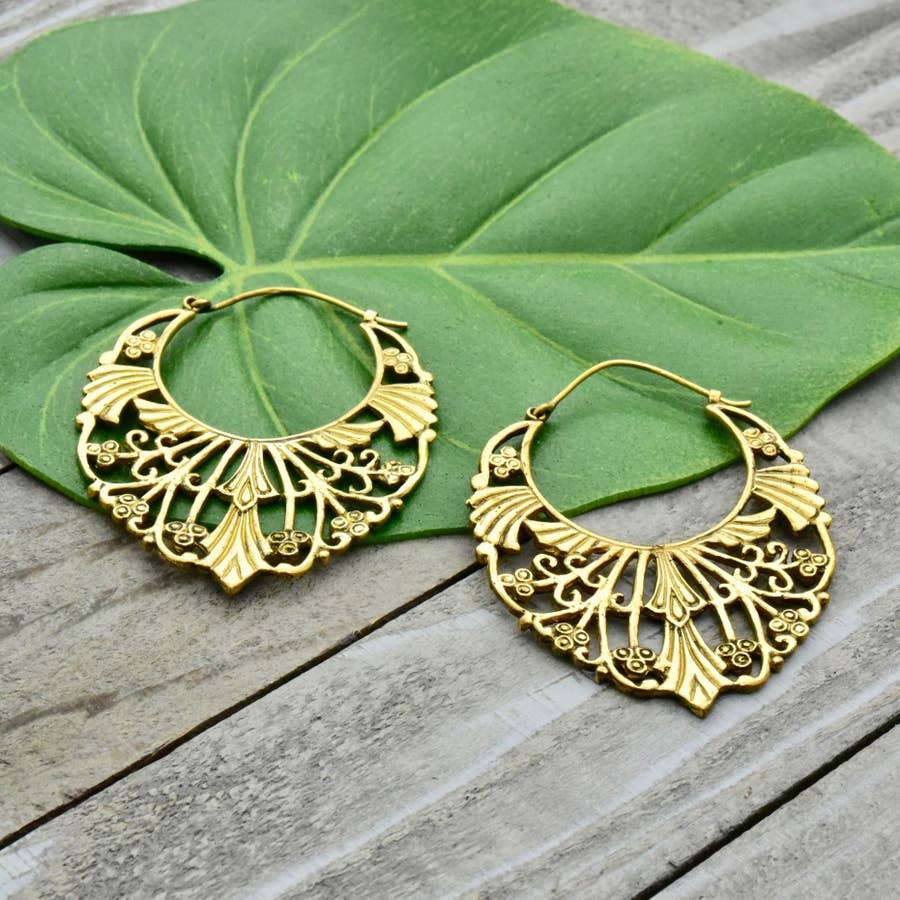 Baizaar - Brass Floral Decorated Earring