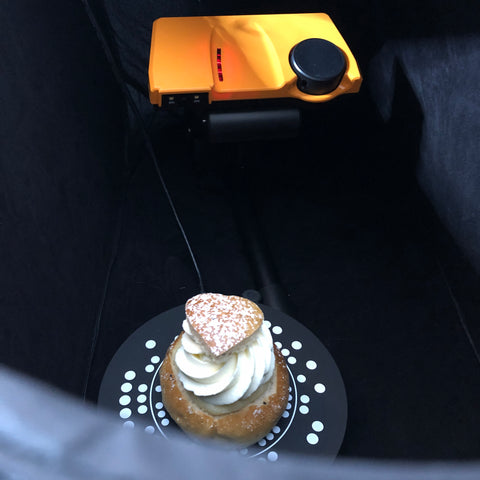 SOL 3D scanner with cake