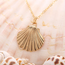 Load image into Gallery viewer, Marine Life Shell Necklace Vintage Pendant Necklace