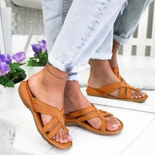 Load image into Gallery viewer, Summer comfortable flat bottom toe wearing sandals and slippers large size